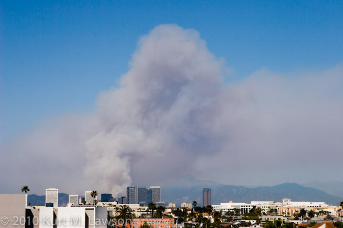 Griffith Park fire from a rooftop in Santa Monica